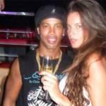 Ecco Ronaldinho con la sua nuova fiamma! – Foto