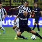 Inter-Juventus, la denuncia spaventosa: bevande sputate dal settore ospiti sopra i tifosi