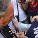Roma-Juventus, tornano le polemiche: guarda Zeman mentre firma la maglia della Juventus – FOTO