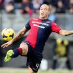 Calciomercato Roma, arriva Nainggolan: domani lo sbarco nella capitale per le visite mediche
