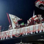 """Milan-Genoa, gli striscioni della Curva: """"Fuori i co***oni, dal grande Milan a quello di Zapata e Constant"""""""