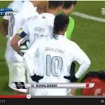 Video – Ronaldinho fa il bello ed il cattivo tempo: prima una punizione spettacolo, poi espulsione ingenua