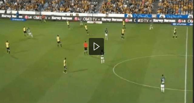 Video heskey sbaglia il pi facile dei gol tiro alto da for Il piu alto dei cieli cruciverba