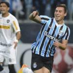 Calciomercato Napoli, Uvini e Vargas vicinissimi al prestito al Santos