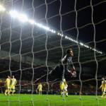 Video – Europa League, Swansea-Napoli 0-0: le due squadre non si fanno male, finisce a reti bianche