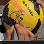 Video – Ecco come Tevez ha festeggiato i 10 milioni di 'mi piace' alla Juventus su Facebook