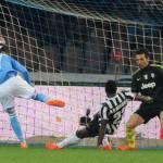 Video – Serie A, Napoli-Juventus 2-0: un gol per tempo, Callejon e Mertens stendono i bianconeri