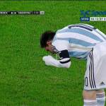 Video – Romania-Argentina, Messi vomita in campo!