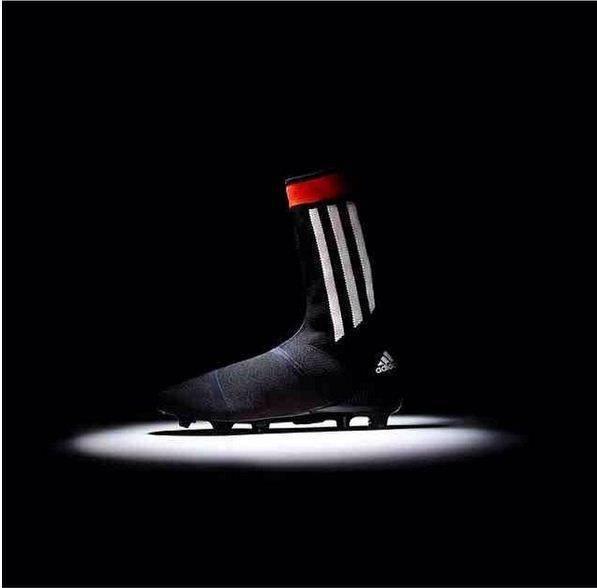 scarpe da calcetto nike con cavigliera