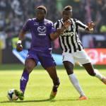 Calciomercato Juventus, i soldi di Pogba per un grande difensore e un bomber