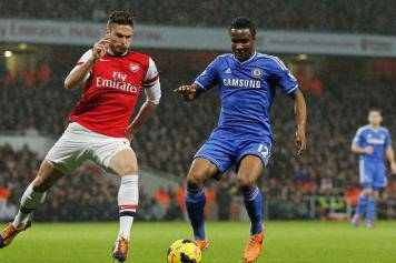 mikel.giroud.chelsea.arsenal.azione.2013.2014.356x237