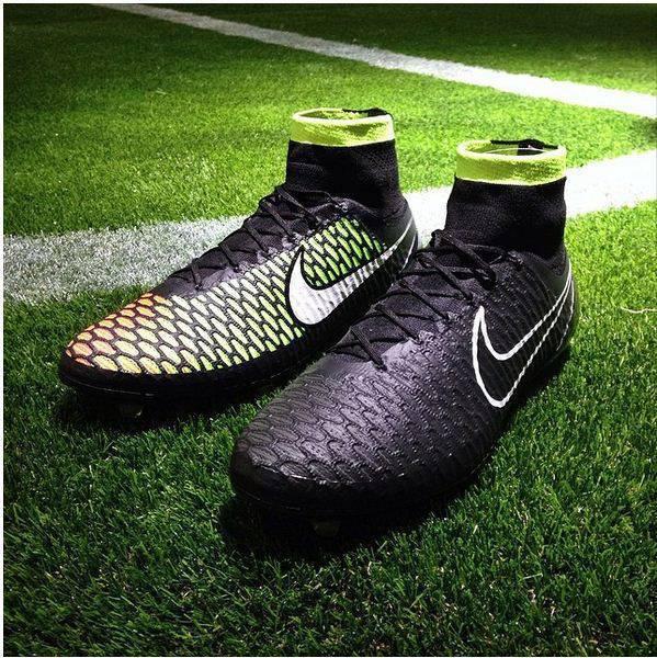 Foto Adidas e Nike spiazzano tutti: ecco le nuove