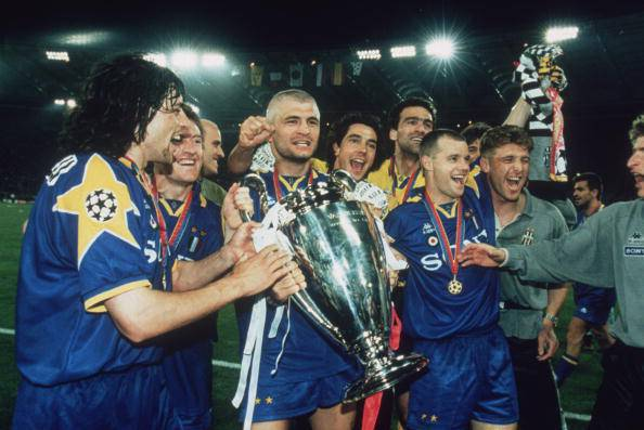 Vialli Lifts Cup