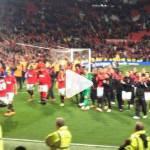 Video – Manchester United, Van Persie: che fenomeno! Numeri incredibili con una sciarpa!