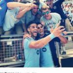 FOTO- Stati Uniti, Dwyer segna ed esulta con un selfie, ma l'arbitro non gradisce