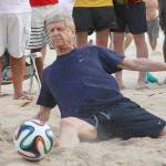 Video – Wenger da urlo in allenamento, che numeri del manager dell'Arsenal