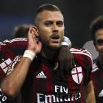 Calciomercato Milan, il parigino Sirigu: 'Sentiamo la mancanza di Menez, Alex giocatore importante'