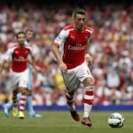 Arsenal, l'infortunio di Ozil: ancora due mesi