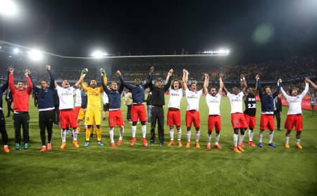MONTPELLIER, FRANCE - MAY 16: Players of PSG celebrate winning the French Ligue 1 Championships title after the French Ligue 1 match between Montpellier Herault SC (MHSC) and Paris Saint-Germain (PSG) at Stade de la Mosson on May 16, 2015 in Montpellier, France. (Photo by Jean Catuffe/Getty Images)