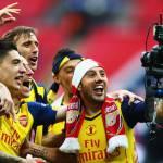 Arsenal, la gioia di S…elfie Cazorla: ecco i selfies scattati all'insaputa del fotografo