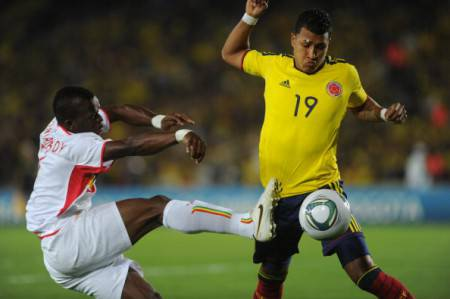 "Colombia's player Jeison Murillo (R) vies for the ball with Mali's player Fanta Mady Diarra during their U-20 World Cup, Group A first round football match, at the Nemesio Camacho ""El Campin"" stadium in Bogota, Colombia, on August 02, 2011. AFP PHOTO/Eitan Abramovich (Photo credit should read EITAN ABRAMOVICH/AFP/Getty Images)"