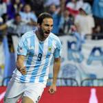 "Napoli, agente Higuain: ""Sta bene in azzurro, ma De Laurentiis…"""
