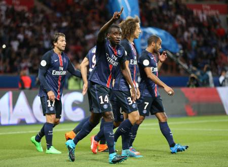 PARIS - AUGUST 16: Blaise Matuidi of PSG celebrates scoring a goal during the French Ligue 1 match between Paris Saint-Germain FC (PSG) and GFC Ajaccio (Gazelec Ajaccio) at Parc des Princes stadium on August 16, 2015 in Paris, France. (Photo by Jean Catuffe/Getty Images)
