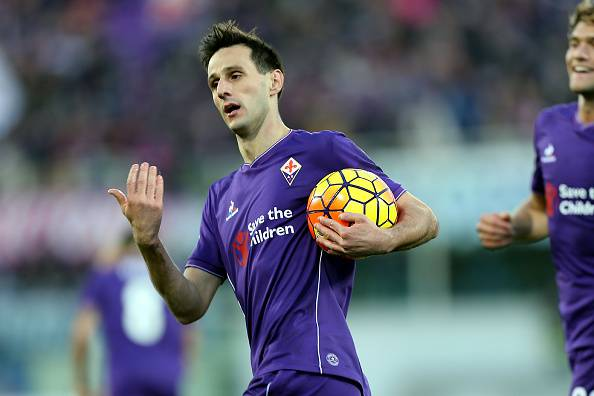 FLORENCE, ITALY - NOVEMBER 22: Nikola Kalinic of ACF Fiorentina celebrates after scoring a goal during the Serie A match between ACF Fiorentina and Empoli FC at Stadio Artemio Franchi on November 22, 2015 in Florence, Italy.  (Photo by Gabriele Maltinti/Getty Images)