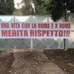 Roma, striscione dei tifosi per Totti a Trigoria