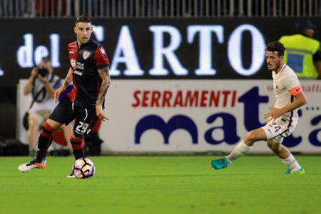 CAGLIARI, ITALY - AUGUST 28: Nicola Murru of Cagliari in action during the Serie A match between Cagliari Calcio and AS Roma at Stadio Sant'Elia on August 28, 2016 in Cagliari, Italy. (Photo by Enrico Locci/Getty Images)