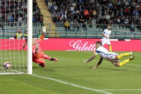 Icardi fa sognare l'Inter: doppietta contro l'Empoli