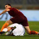 Roma, infortunio al polpaccio per Vermaelen: il comunicato ufficiale