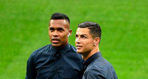 Alex Sandro con Cristiano Ronaldo Juventus (Getty Images)
