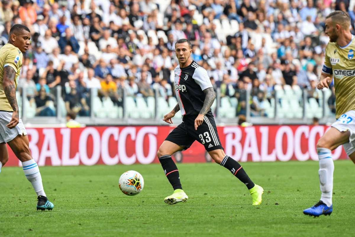 Calciomercato Juventus, possibile scambio Bernardeschi-Paredes a gennaio