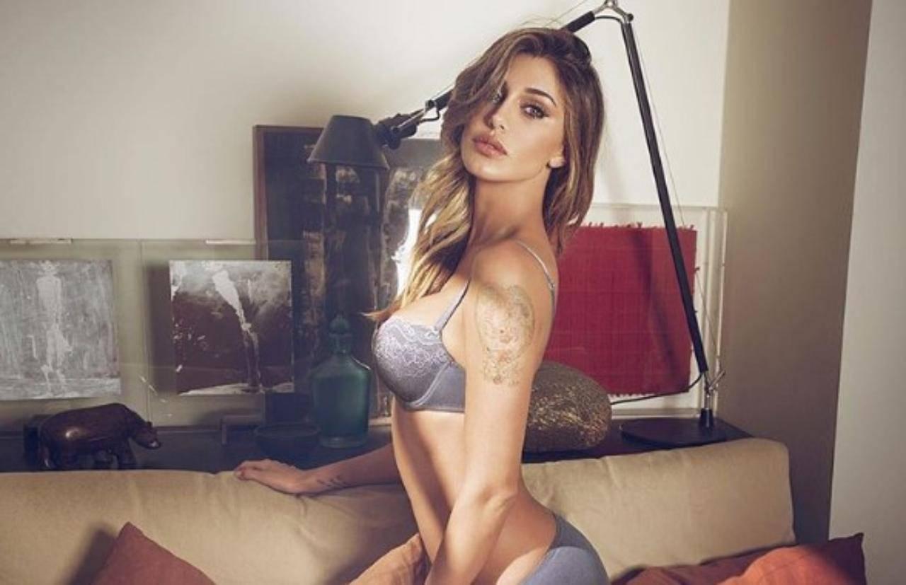 Belen Rodriguez, non solo la farfallina: tutti i tatuaggi