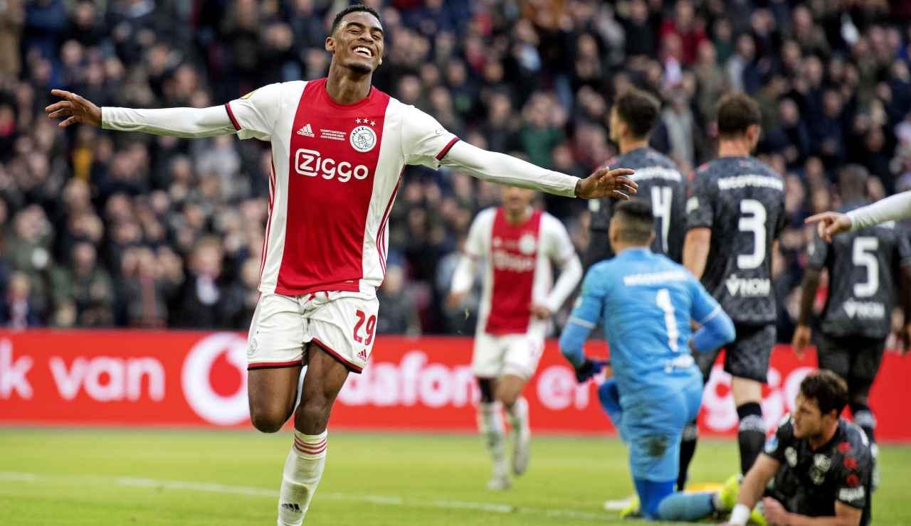 Calciomercato Juventus, Gravenberch verso il rinnovo con l'Ajax
