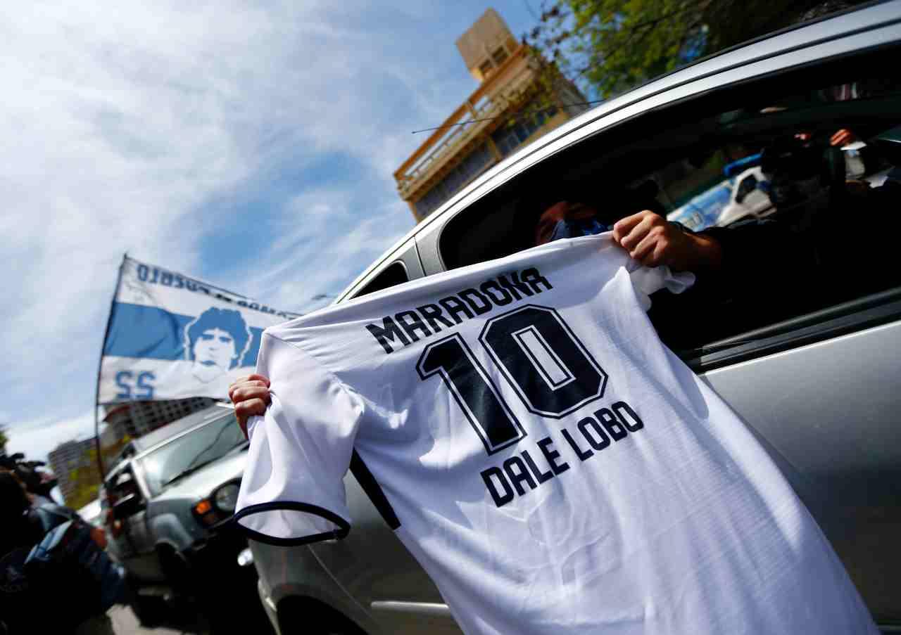 Il dio del calcio è morto. Si è spento Diego Armando Maradona