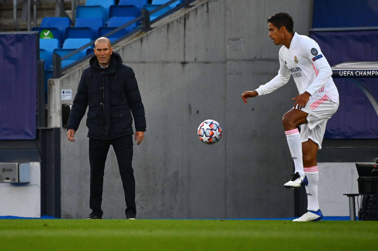 Calciomercato Juventus, intreccio Varane-Mbappe | Sfuma il big