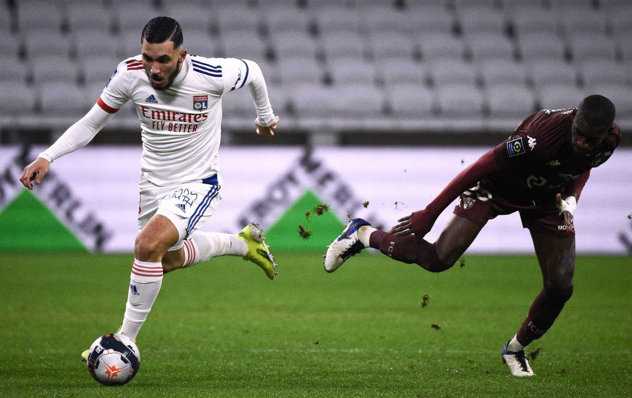 Calciomercato Juventus, Aouar in bilico | Duello con Simeone