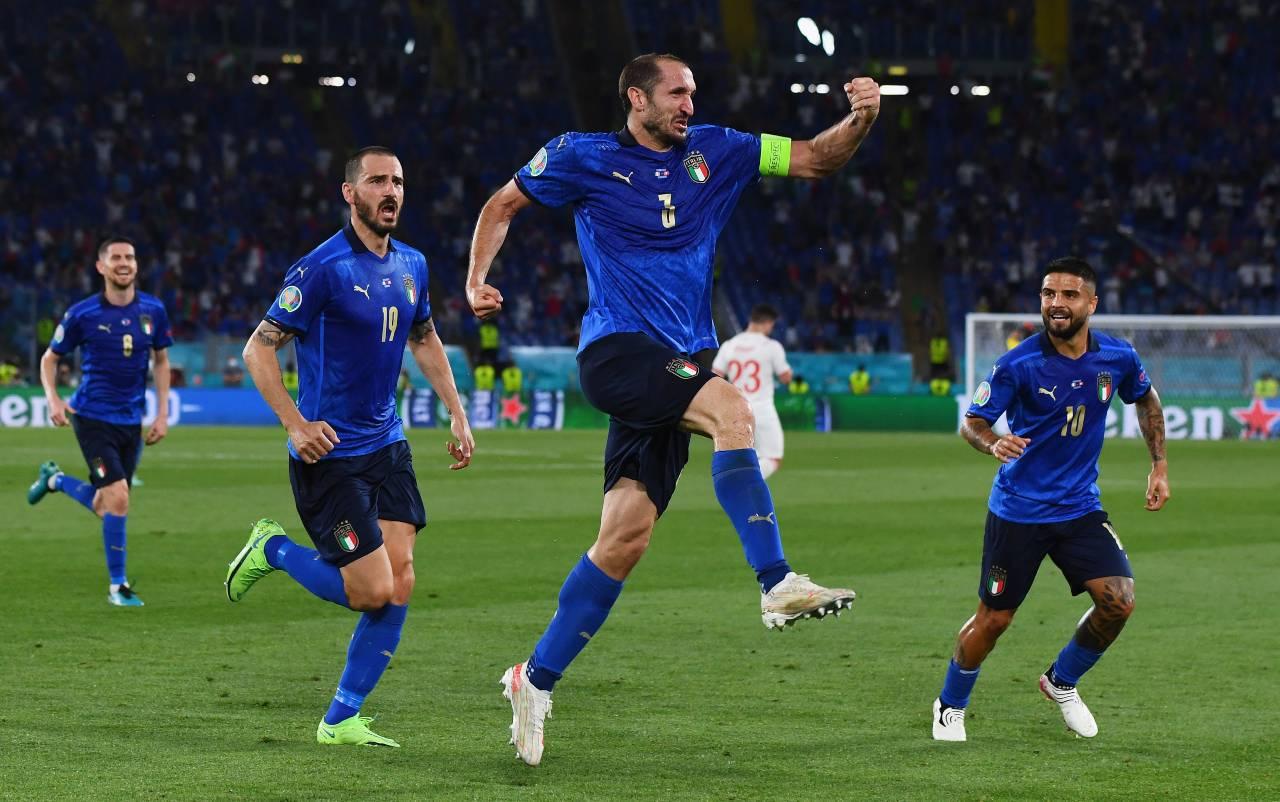 Italia e Svizzera sono in campo all'Olimpico, ma Mancini dovrà fare a meno di Giorgio Chiellini, infortunatosi nel primo tempo