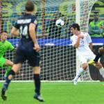 Serie A, Inter-Fiorentina 2-1: dal rigore di Rossi alla rimonta firmata Cambiasso e Jonathan – Video