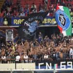 Inter, la Curva Nord fuori dallo stadio tra rabbia e cori per la vittoria nerazzurra
