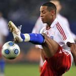 Calciomercato Juventus e Roma, Aogo: lotta a due per il terzino tedesco