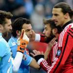 Video – Milan-Napoli, ecco il fallo di Ibrahimovic da espulsione: finta di abbraccio a Nocerino e…