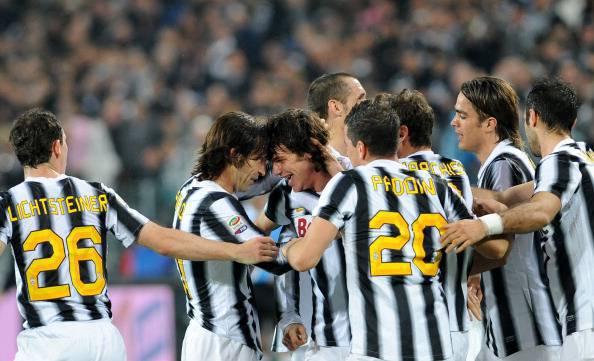 Juventus defender Paolo De Ceglie (3rd L