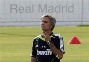 Mourinho Real Madrid5 300x208 Champions League, Real Madrid Milan, tocca a Mourinho: Kakà nostro acquisto di gennaio, Ronaldinho importante in quella posizione