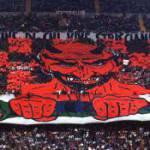 Tifosi del Milan protestano davanti la Lega