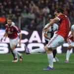 Moviola Parma-Milan: Banti concede uno dei due rigori ai rossoneri e ci sono due fuorigioco dubbi