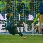 Video – Il clamoroso rigore sbagliato da Pazzini mentre scivola contro l'Udinese