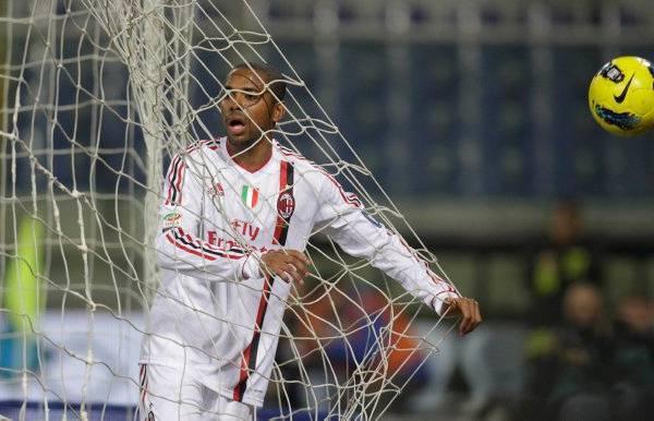 Robinho85 Calciomercato Milan, Robinho: il mio cuore batte sempre per il Santos